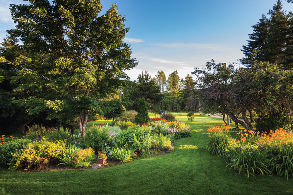 Park-Landscaped-Flowerbeds